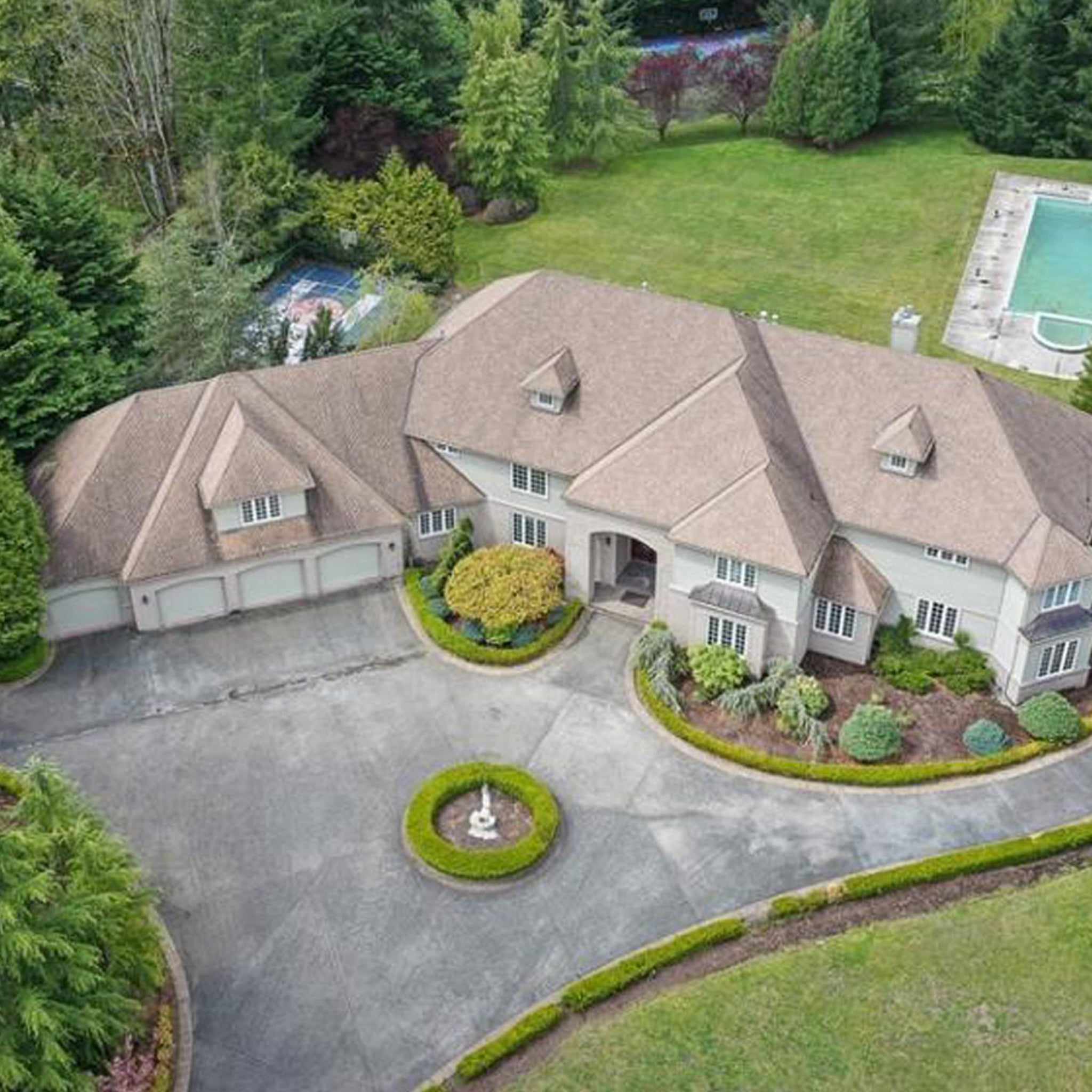 Shawn Kemp Slashes Price On Massive Seattle Mansion