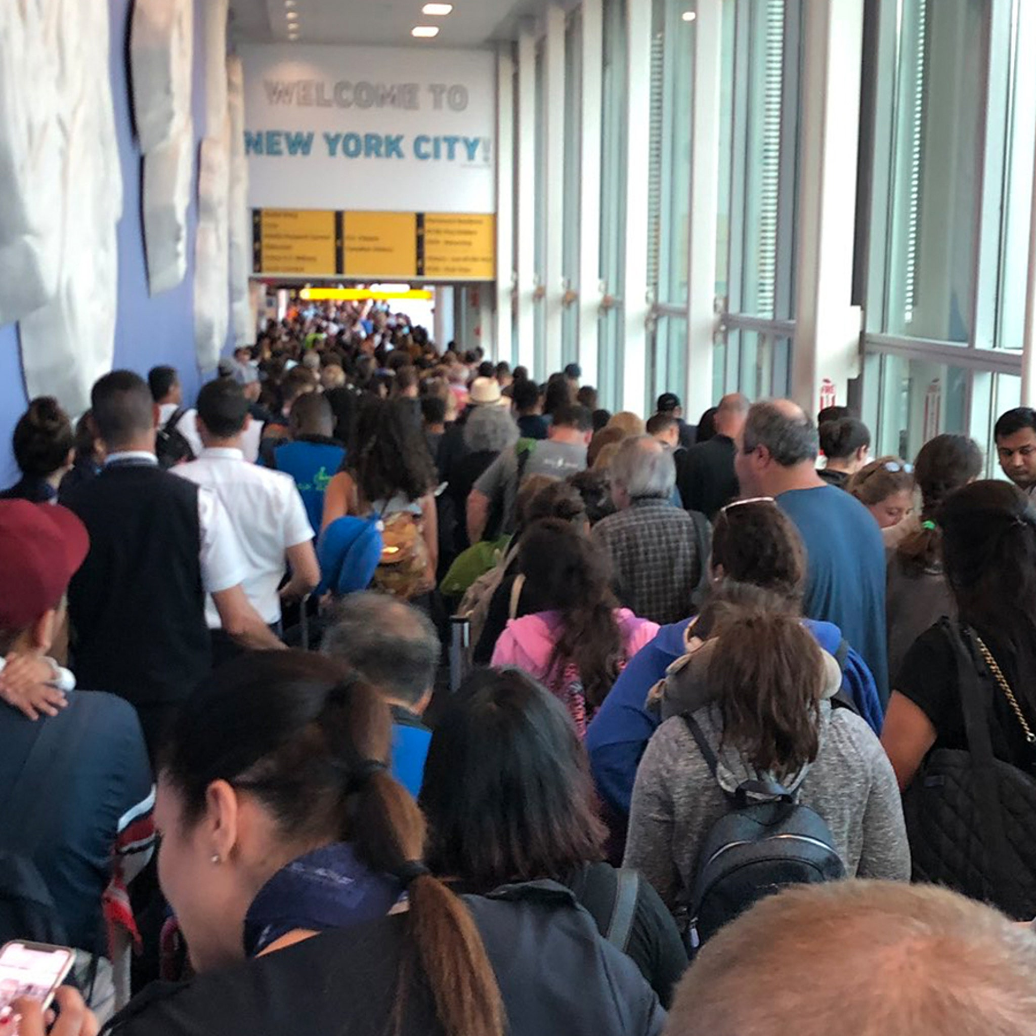 U.S. Customs Goes Down at Airports Nationwide