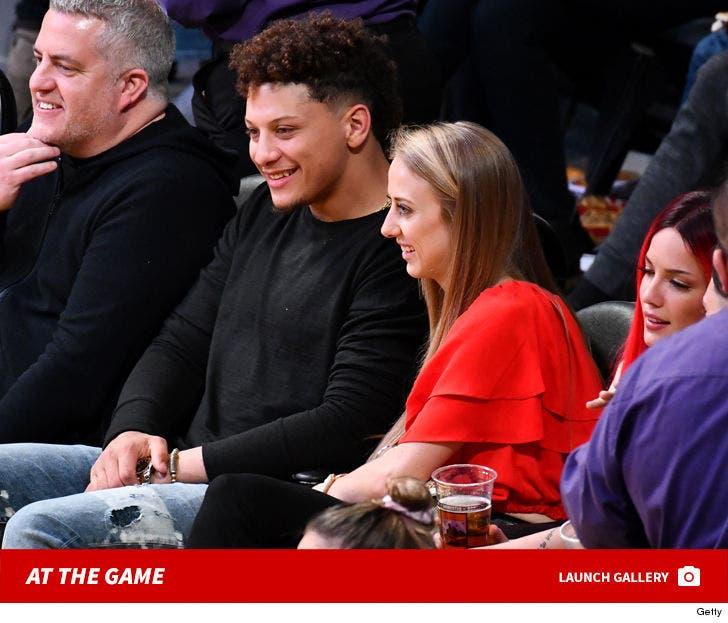 Lakers vs. Pelicans -- Famous Fans