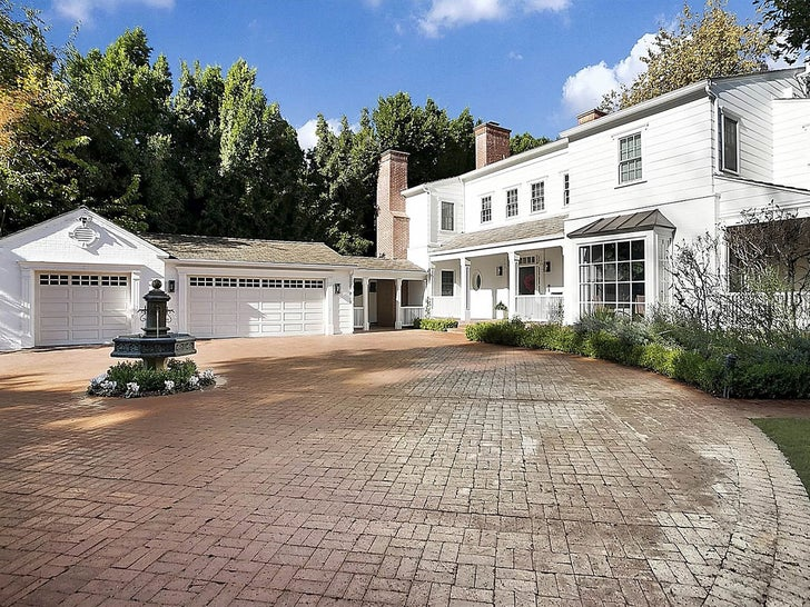 Kelly Clarkson's Los Angeles Home