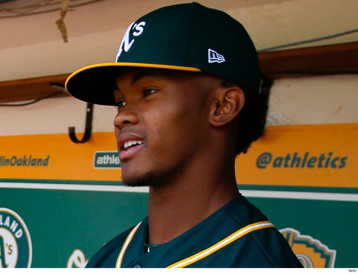 buy popular 034ca 0ab8b Kyler Murray Congratulates MLB Draftees with Oakland A's Pic ...