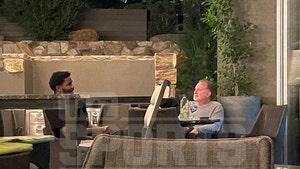 DeAndre Ayton Meets W/ Suns Owner At Fancy AZ Resort Amid Contract Feud
