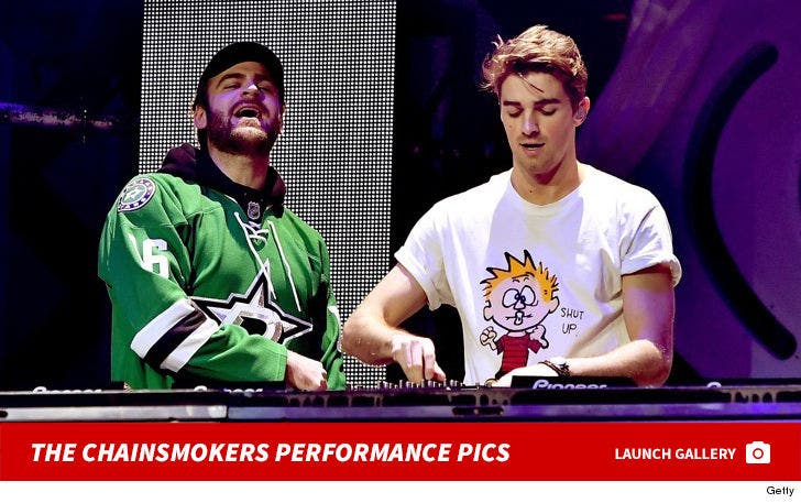 The Chainsmokers Performance Photos
