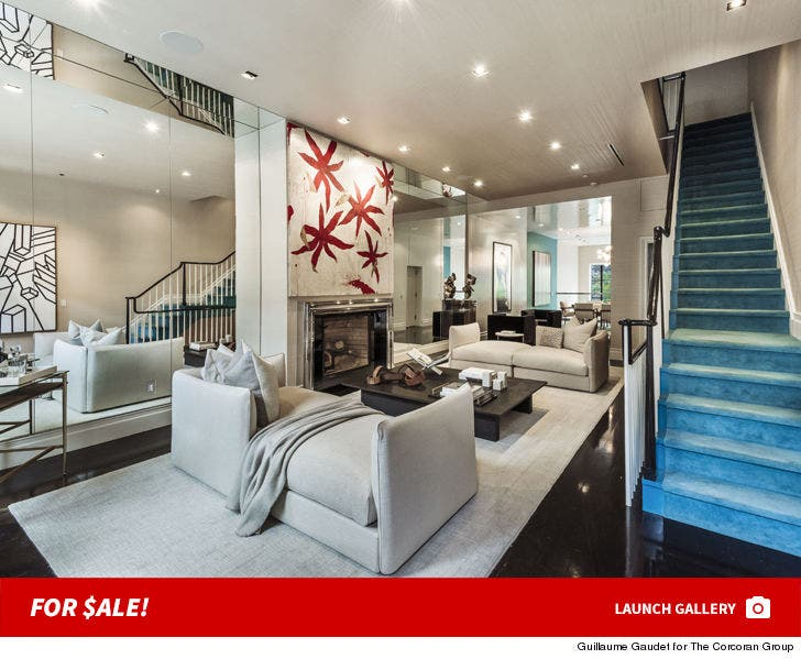 Mariska Hargitay Manhattan Townhouse-- For Sale!