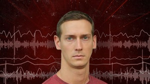 'Walking Dead' Stuntman 911 Call: He Fell off Balcony, Bleeding from Nose and Head