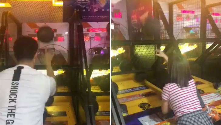 Klay Thompson Destroyed By Little Girl In Pop-A-Shot in China