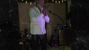Kelsey Grammer Channels His Inner David Bowie for Live Karaoke