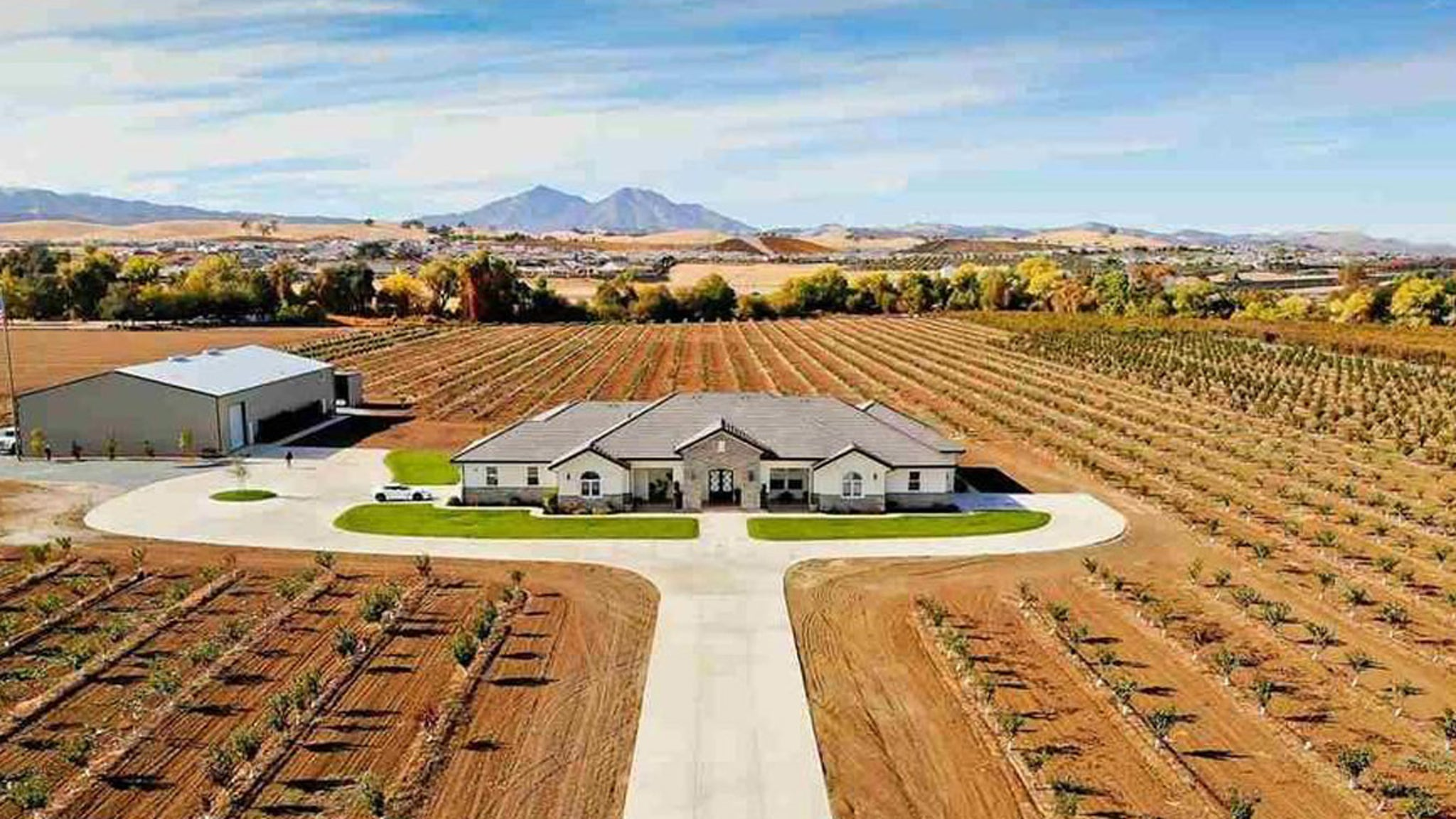Ex-NFL Pro Bowler Selling $5 Mil Cherry Farm And Leaving CA ... Over COVID Protocols