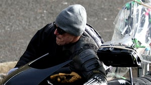 'The Batman' Stuntman Wearing Beanie & Glasses While Filming is a Sight