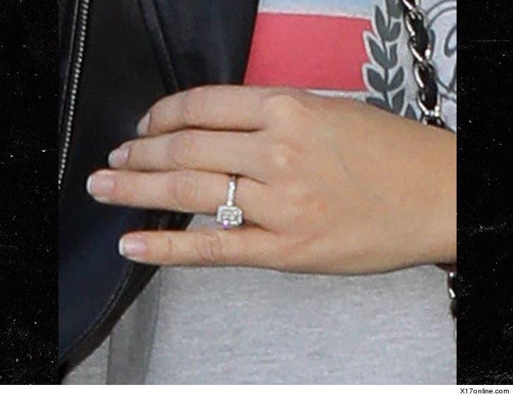 Hot Felon Jeremy Meeks' GF Chloe Green Wearing Huge Diamond Ring