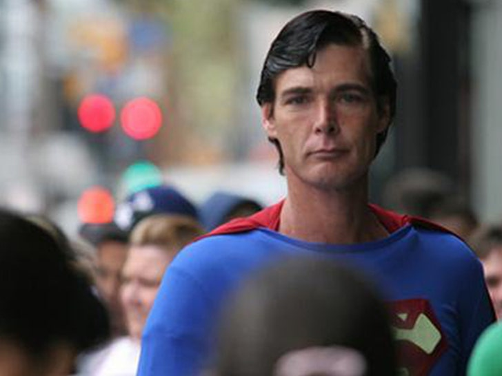 Hollywood`s Superman Christopher Dennis passes away at 52
