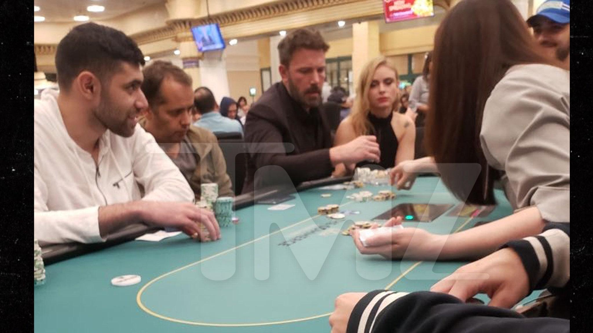 Resultado de imagem para ben affleck loses in casino