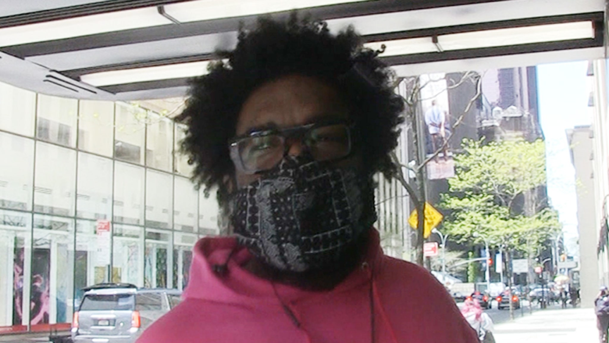 Questlove Was Blocked From Playing Long-Winded Oscar Winners Off Stage thumbnail