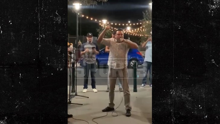 Oscar De La Hoya Goes Full Mariachi on Cinco de Mayo, Impromptu Concert.jpg