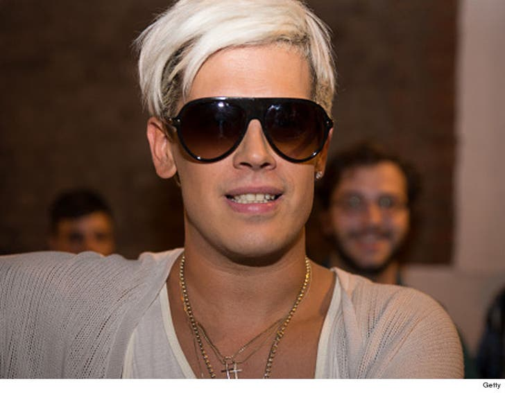 Milo Yiannopoulos Wedding.Milo Yiannopoulos Has Bad News For Haters He S Staying In The U S A