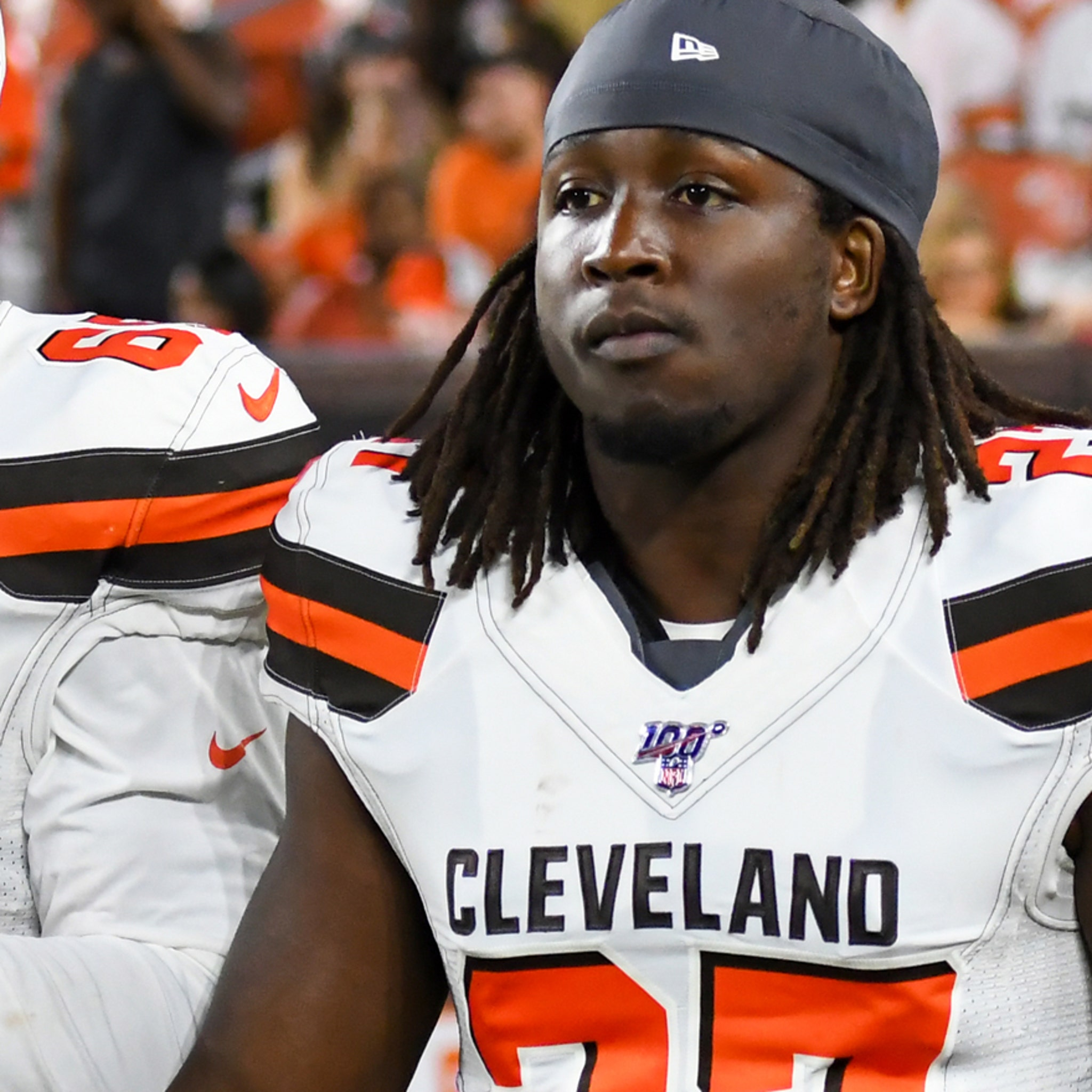 Kareem Hunt Returns to Browns Practice Amid Suspension, Hug from Baker Mayfield