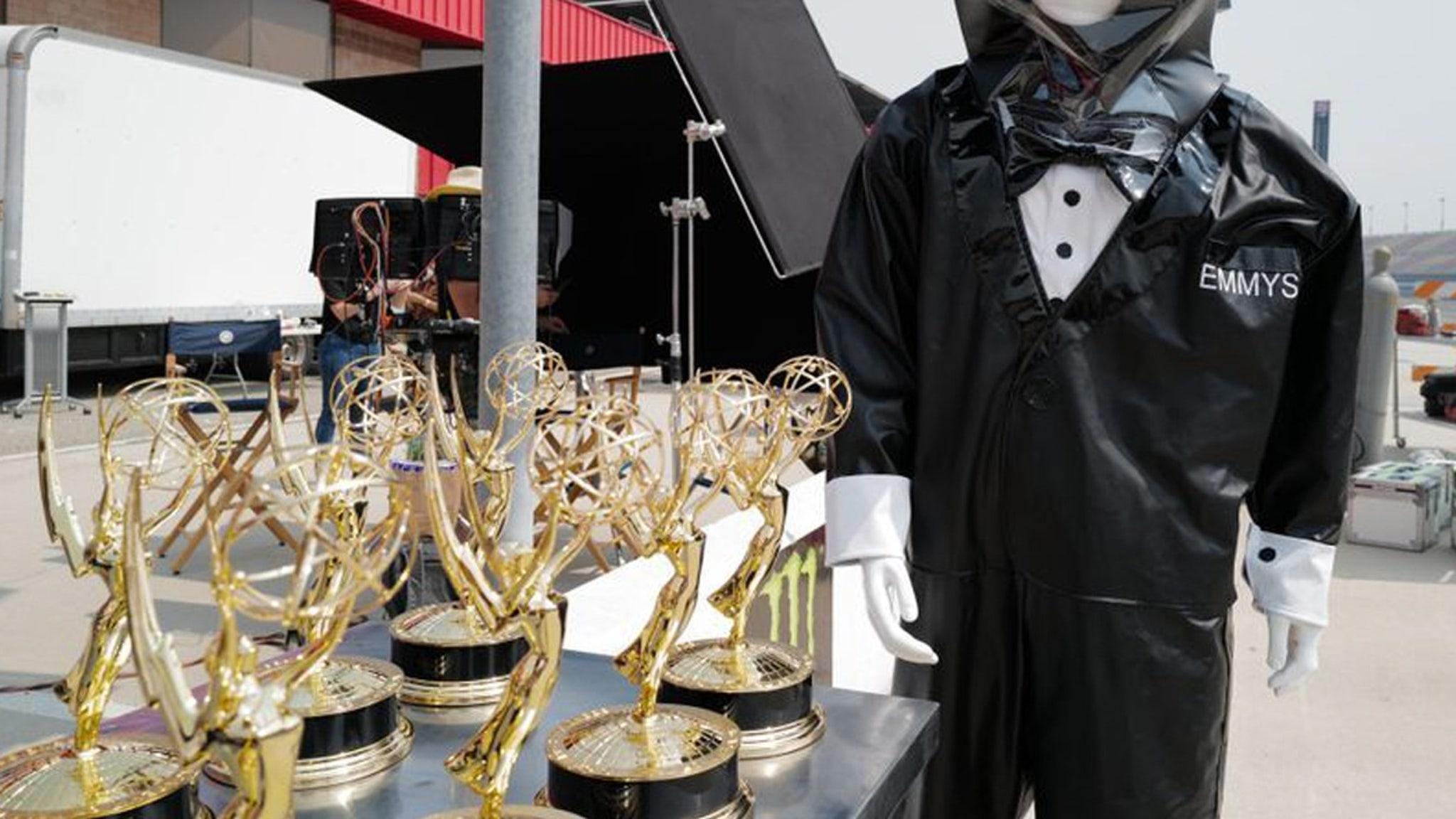 Emmys Going Full 2020 With Trophy Presenters In Hazmat Suits