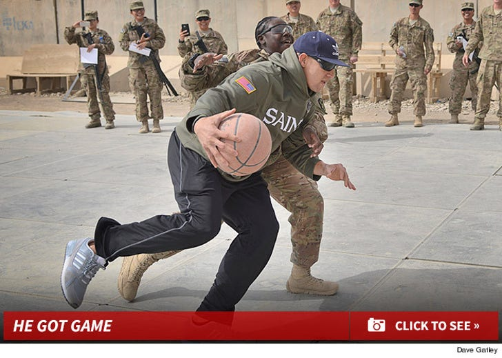 Jimmy Graham & Pierre Garcon -- Ballin' it Up with U.S. Soldiers ... In Afghanistan