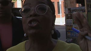 Oprah Flips Out Over Getting Her Own Exhibit at the Smithsonian