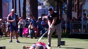 Jeremy Roenick Smashes Golf Ball Outta Caddy's Mouth!!