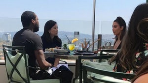 Photo of Kim Kardashian's Lunch with Meek Mill Disproves Kanye's Cheating Accusation