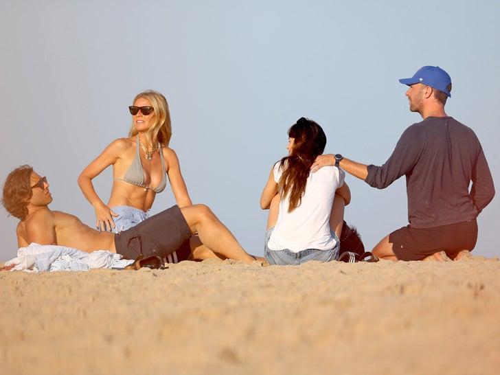 Gwyneth and Brad Falchuk Double Beach Date With Chris Martin and Dakota in the Hamptons