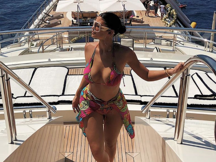 Kylie Jenner Epic Birthday Vacation in Italy