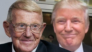 Lou Holtz to Receive Presidential Medal of Freedom from Donald Trump