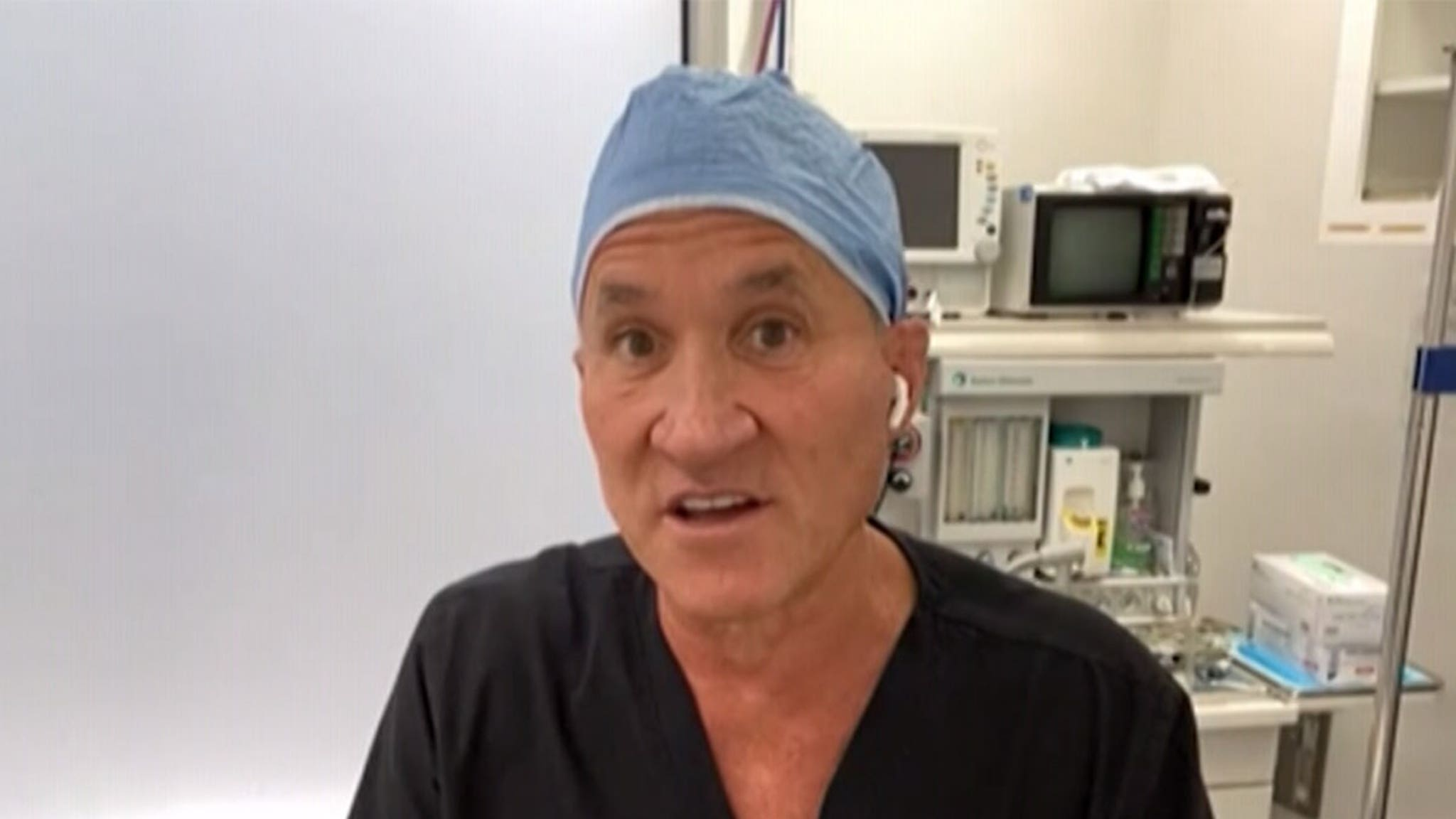 'License to Kill' Host Terry Dubrow Warns About Doctors Going Off Deep End thumbnail