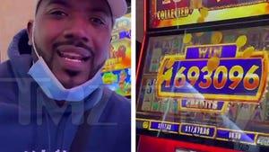 Ray J Hits $17k Jackpot Playing Penny Slots at Casino