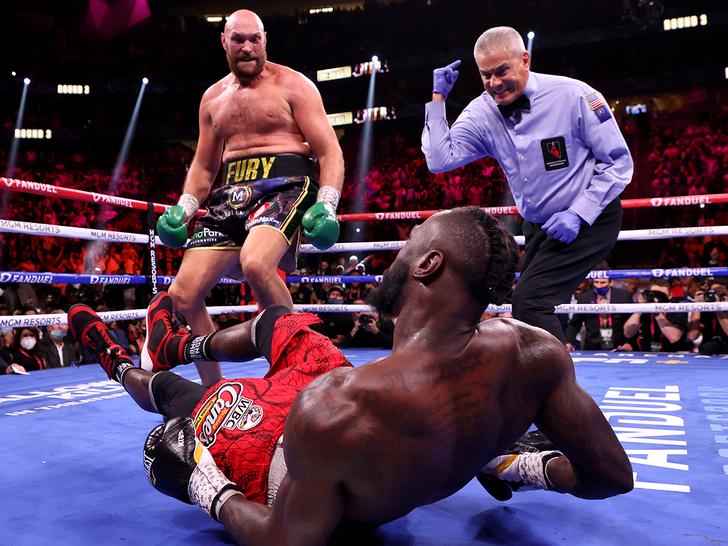 Tyson Fury vs. Deontay Wilder III -- Fight Photos