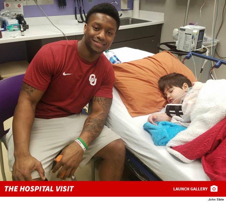 Joe Mixon Visits Kids Hospital