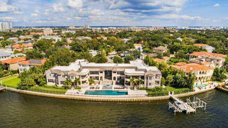 Derek Jeter Sells Tampa Mansion He Rented to Tom Brady for $22.5 Million!.jpg