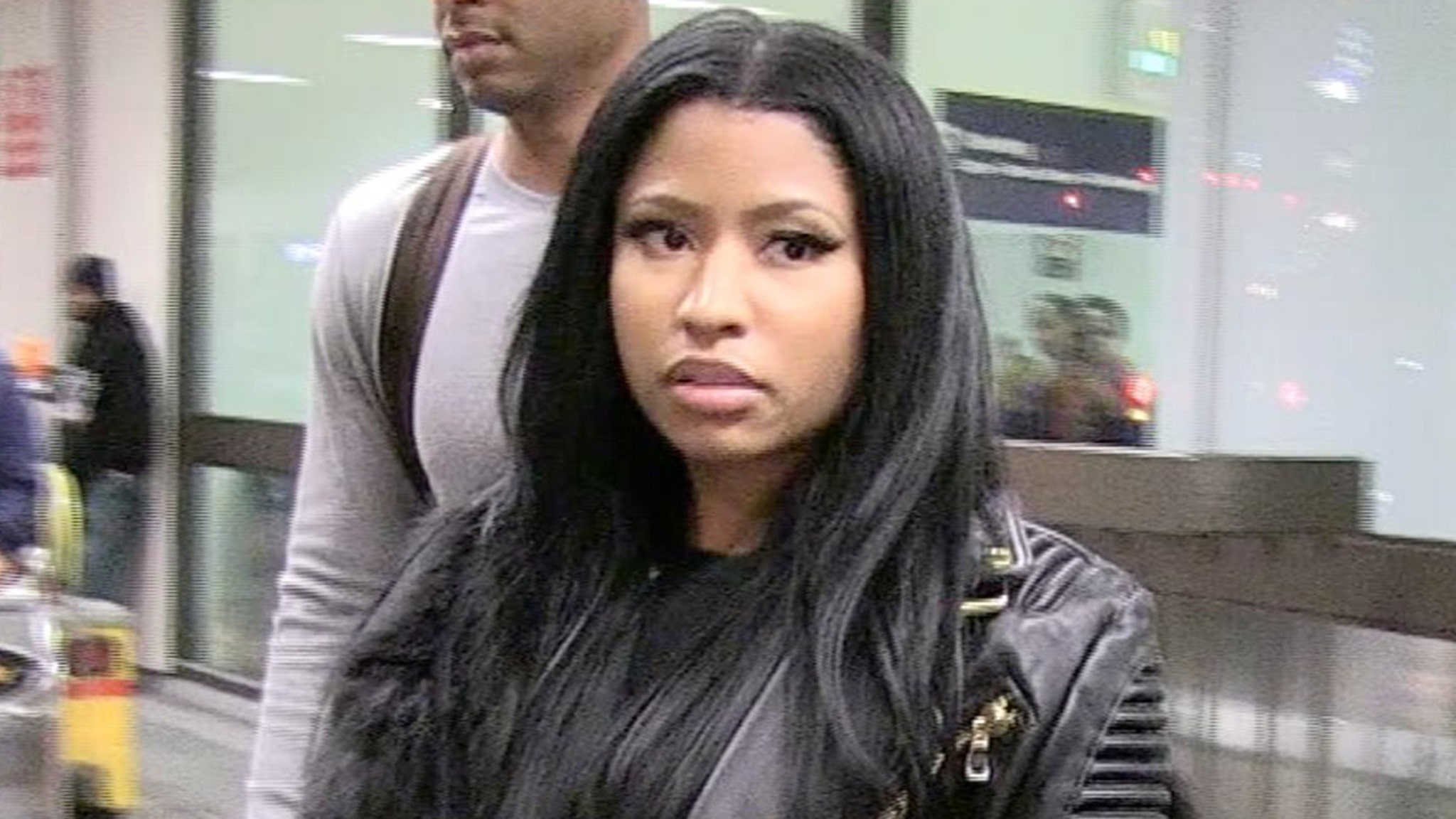 Nicki Minaj Fires Back at Haters of Her COVID-19 Vaccine Stance thumbnail