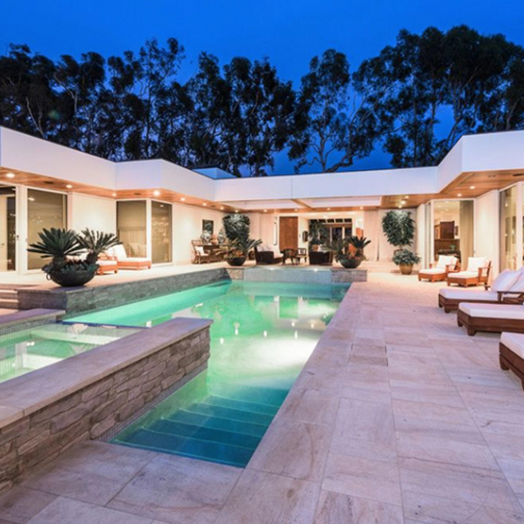 Simon Cowell Drops $25 Mil on Malibu Estate