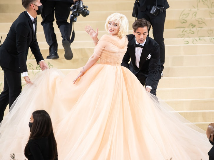 Billie Eilish Wears Oscar de la Renta to Met Gala After Designer Ditches Fur.jpg