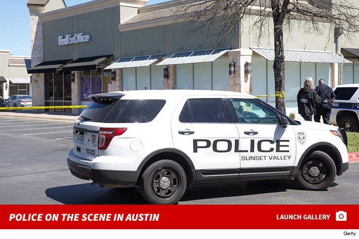 Austin Bombing -- Police on the Scene