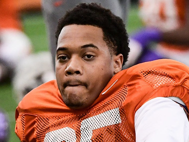 Clemson's Justin Foster Retires After Long Battle With COVID, Asthma.jpg