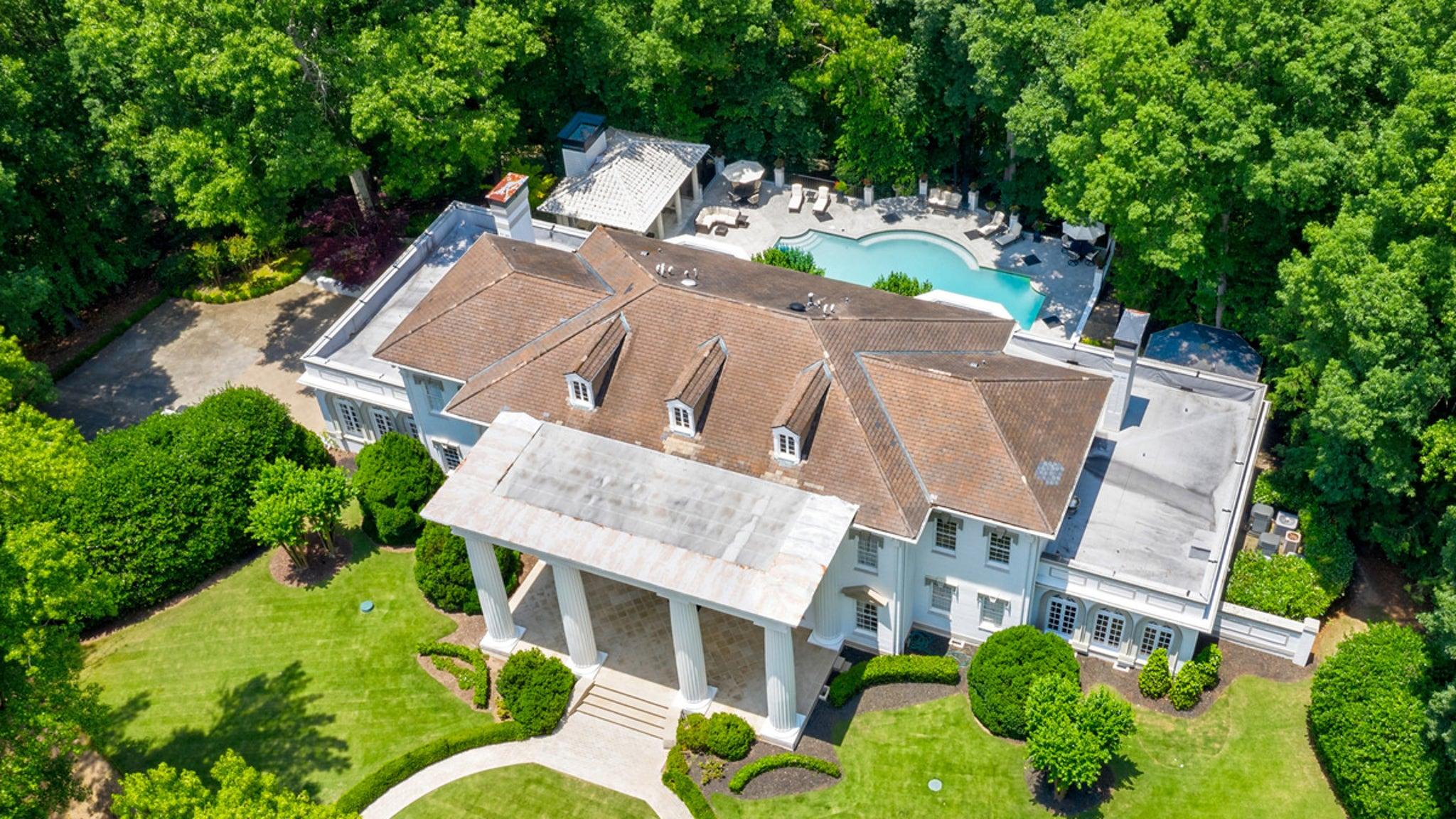 T.I. Drops $3.27 Million on Atlanta Mansion thumbnail