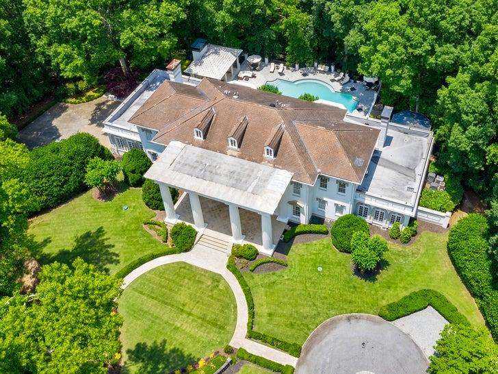 T.I. Buys Atlanta Mansion