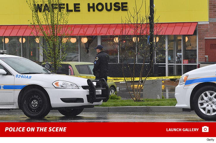 Waffle House Shooting -- Police on the Scene