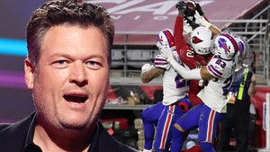 Blake Shelton Freaks Out Over DeAndre Hopkins Hail Mary Catch, 'Sh*t My Pants!'