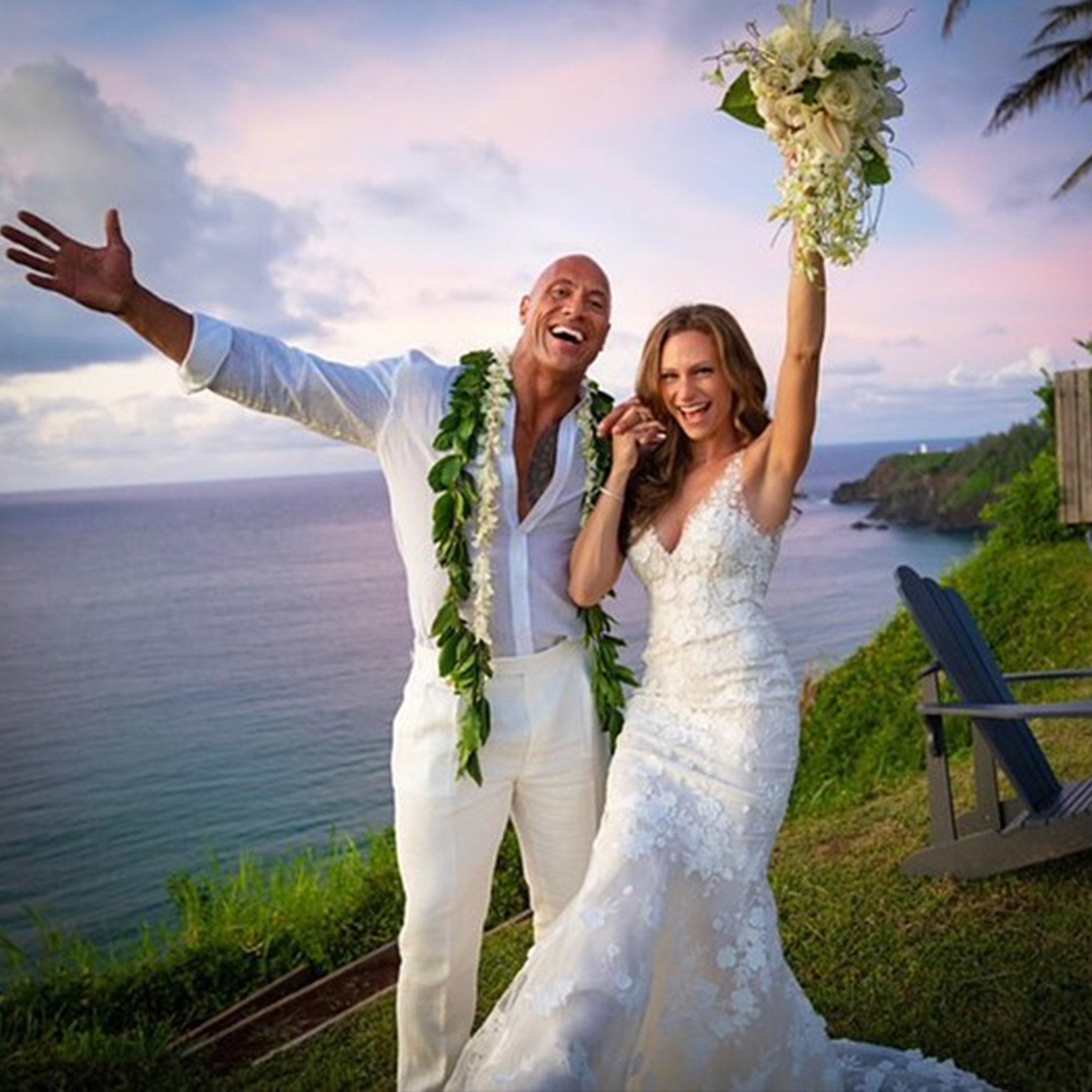 Dwayne 'The Rock' Johnson Marries Longtime GF Lauren Hashian