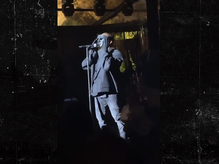 Kanye West Performs 'Runaway' at Wedding in Venice, Italy.jpg
