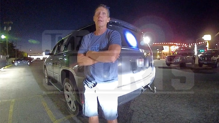 Mark Few Arrest Video Shows Coach Arguing W/ Cops, Refusing Orders.jpg