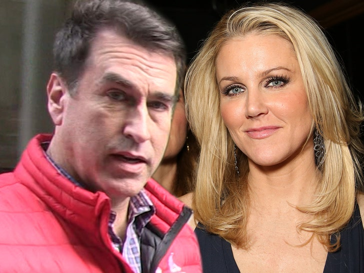 Rob Riggle Claims Estranged Wife Spied on Him at Home with Hidden Camera.jpg