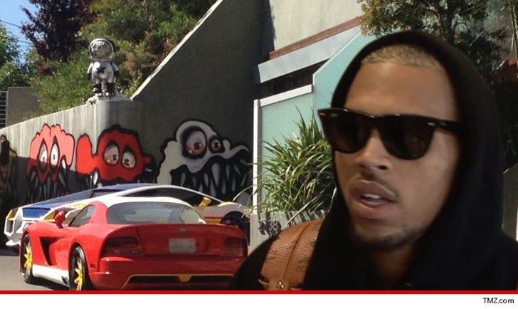 Chris Brown -- Dumps Graffiti Home & Condo