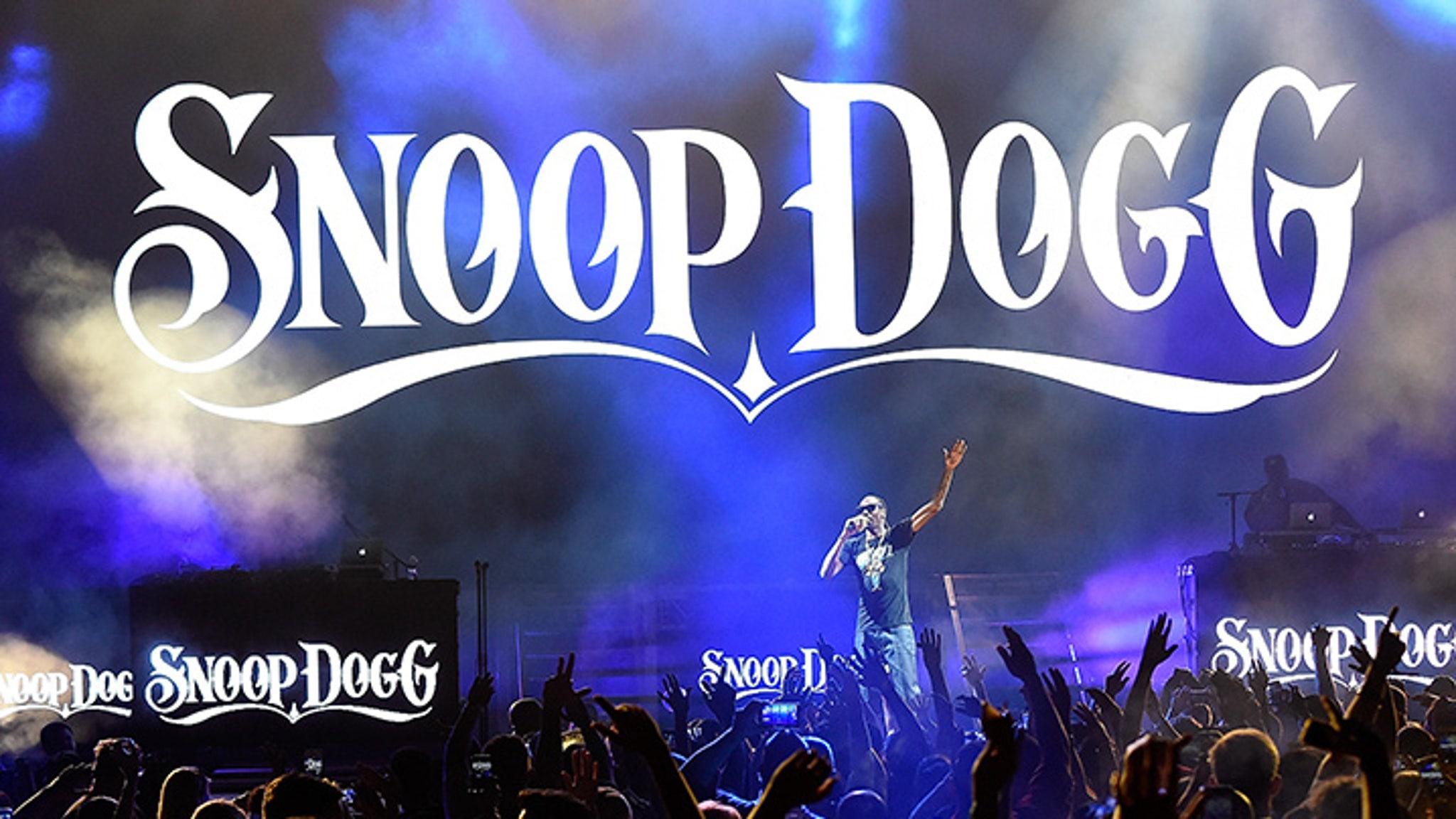 11 Kids Hospitalized During Snoop Dogg & Wiz Khalifa Concert