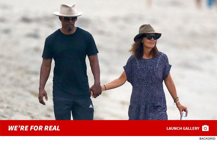 Katie Holmes And Jamie Foxx At The Beach