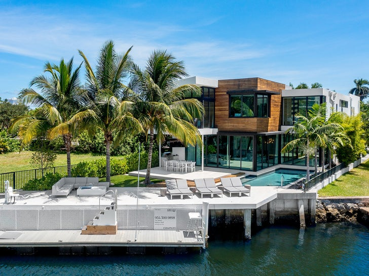 Joey Bosa Cops Insane Waterfront Mansion After Signing $135 Mil Contract.jpg